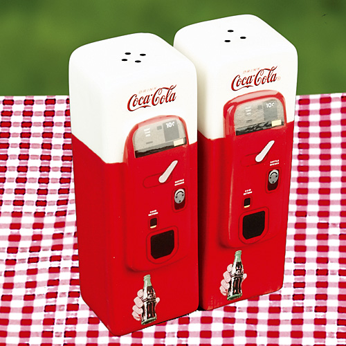 coca cola vending machine salt pepper Coca Cola Vending Machine Salt and Pepper Shakers