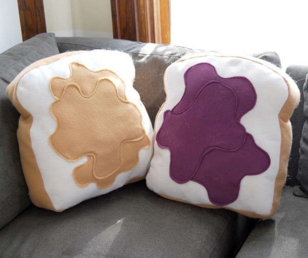 peanut butter jelly pillow 600x502 Peanut Butter and Jelly Sandwich Pillows